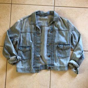 Light wash, super SOFT jean jacket!